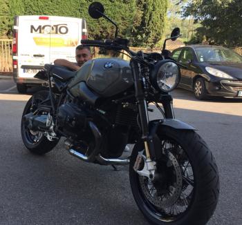 Location moto BMW R9T